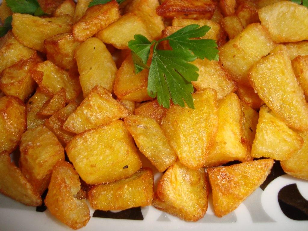 Cartofi aurii la cuptor, un deliciu