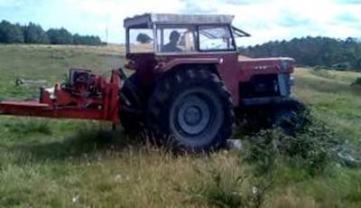 femeie tractorist