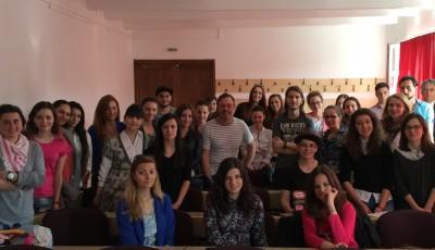Bogdan Rosca si studentii de la Jurnalistica