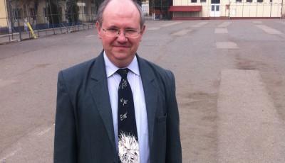 profesorul cu formule pe cravata