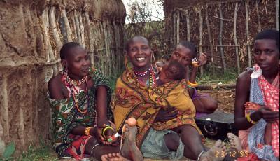 femei uganda