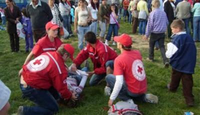 voluntari Crucea Rosie