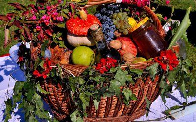 piata volanta cu fructe si legume de toamna