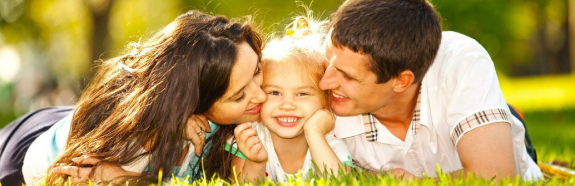 familie fericita copil