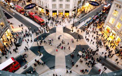 trafic londra piata oameni