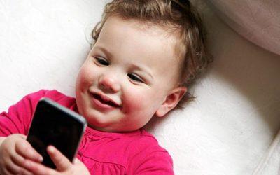 copil telefon dependenta
