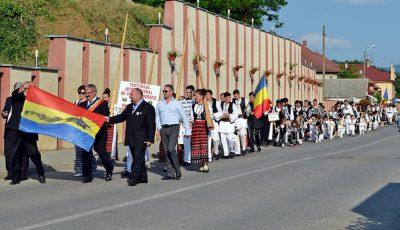 5 parada portului popular la FIFE Zlatna