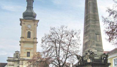 Obeliscul Carolina si Biserica franciscana