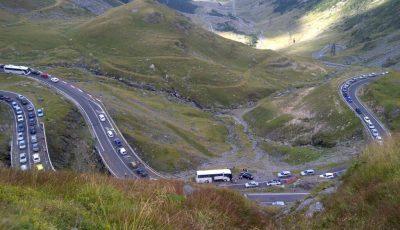 transfagarasan-trafic-auto.l2xtcjm8h7